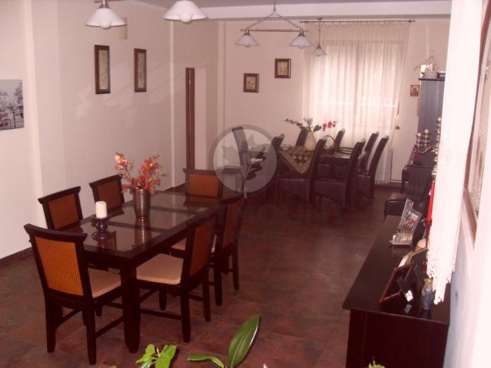 Casa / Vila 14 camere Cioplea