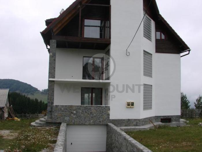 Casa / Vila 9 camere