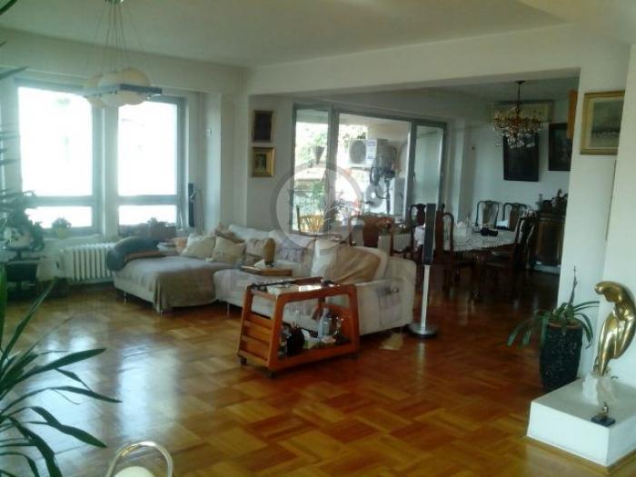 Apartament 5 camere Dacia