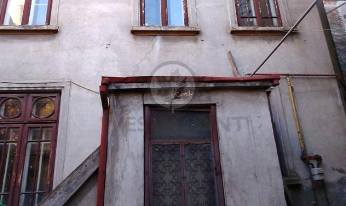 Casa / Vila 3 camere P-ta Unirii