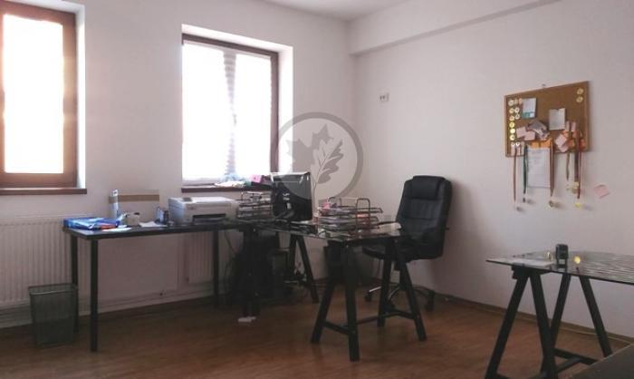 Casa / Vila 20 camere P-ta Unirii