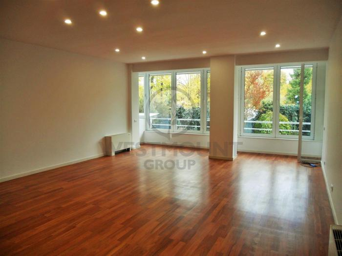 Apartament 4 camere Primaverii 3