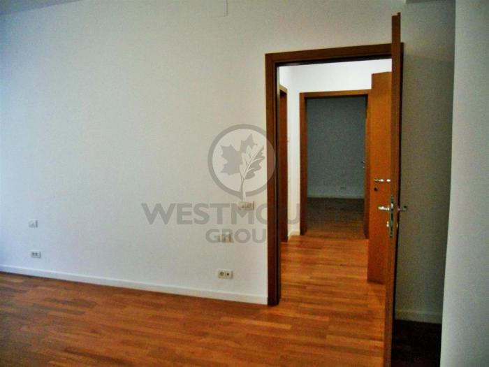 Apartament 4 camere Primaverii 22