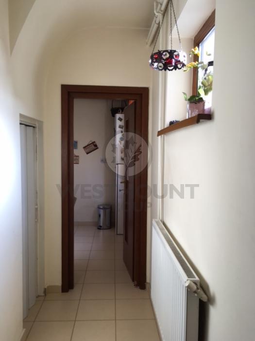 Apartament 3 camere P-ta Victoriei 7