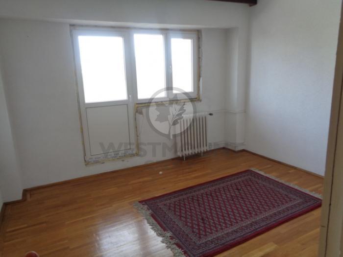 Inchiriere apartament 3 camere Piata Victoriei 500 euro