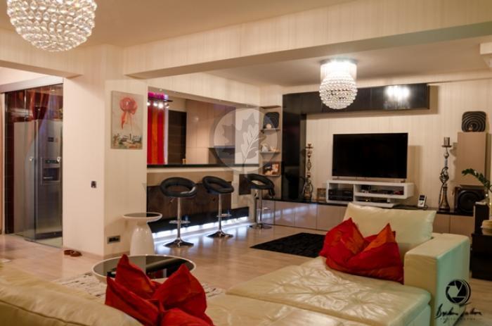 Apartament 5 camere Primaverii 3