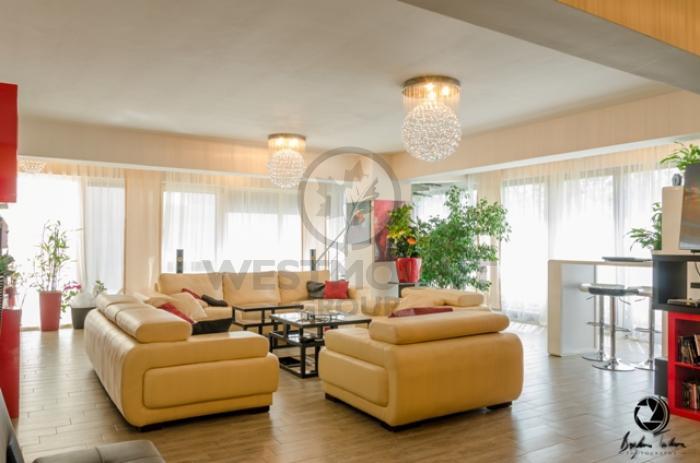 Apartament 5 camere Primaverii 8