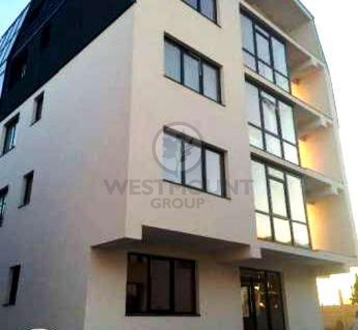 Apartament 3 camere Damaroaia 6