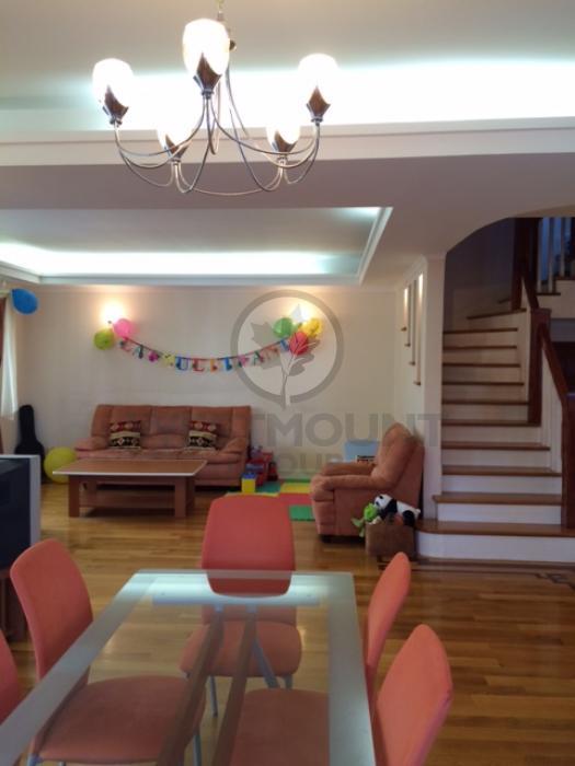 Casa / Vila 15 camere Baneasa 20