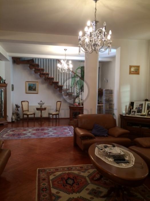 Casa / Vila 9 camere Domenii (Casin) 5