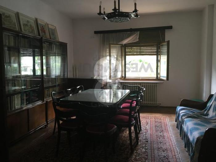 Casa / Vila 5 camere P-ta Muncii