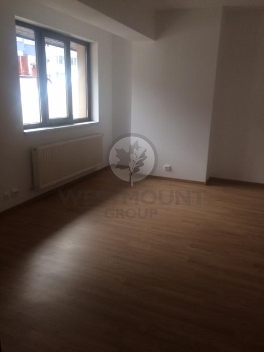 Apartament 3 camere P-ta Victoriei 6
