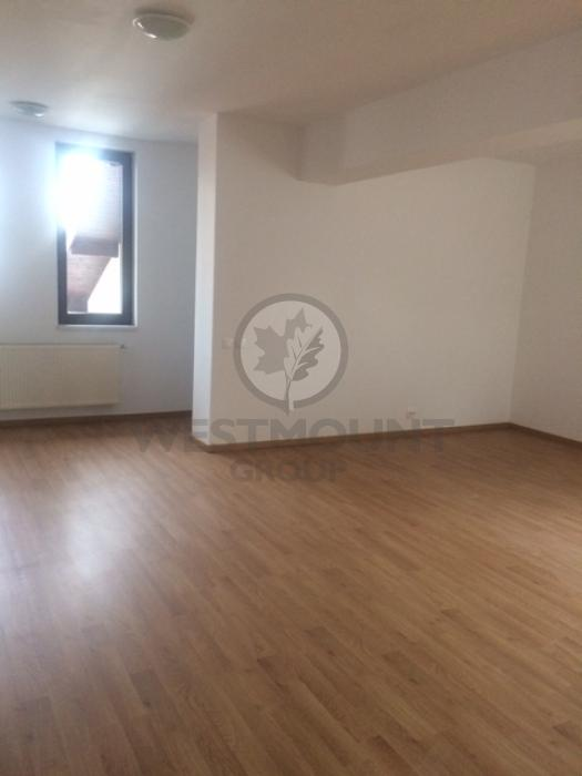 Apartament 3 camere P-ta Victoriei 9