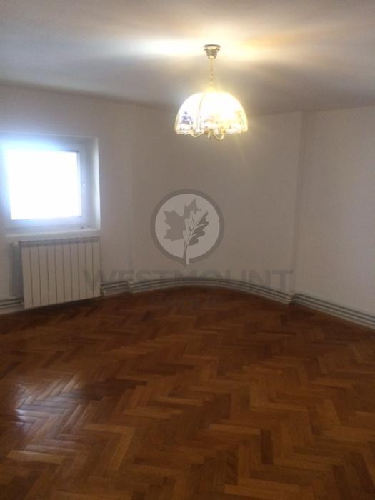 Apartament 4 camere P-ta Alba Iulia 10