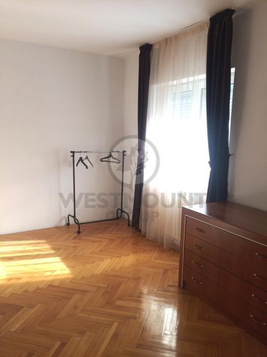 Apartament 3 camere P-ta Unirii 7